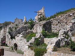 Vista parcial del poble vell de Corbera d'Ebre