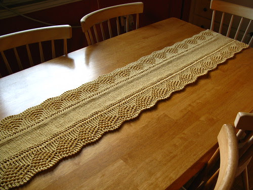 Scalloped Table Runner