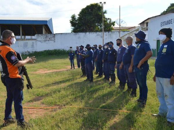 Guarda Civil Metropolitana do Crato participa de curso de armamento e tiro