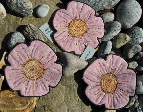 -12- rosa blomst by Marits Kunstquilt