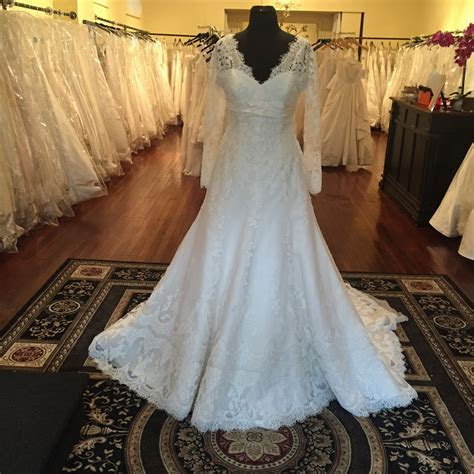 Discounted Bridal Gowns and Dresses   Philadelphia, PA