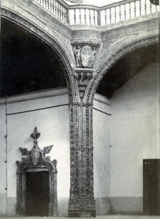 Hospital de Santa Cruz en junio de 1905. Fotógrafo anónimo. Colección Luis Alba. Ayuntamiento de Toledo