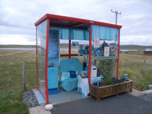 File:The bus shelter with everything within - geograph.org.uk - 955884.jpg