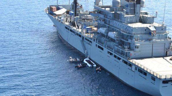 Libia, Parlamento Tobruk: non valido l'accordo di Sarraj con Roma | Haftar: bombarderemo le navi italiane