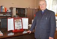 Il parroco di Asolo don Giacomo Lorenzon, già rettore del collegio vescovile Piox di Treviso