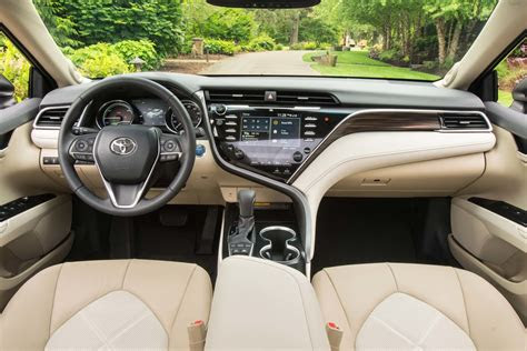 toyota camry  drive review motor trend