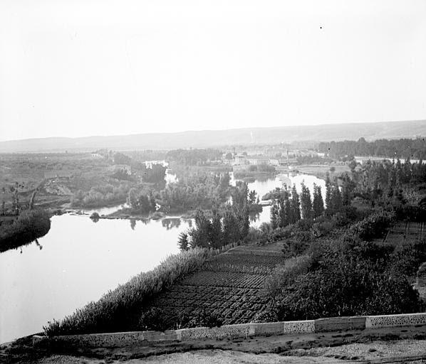 Río Tajo en Toledo en septiembre de 1907. Fotografía de Petit. Société Française d'Archéologie et Ministère de la Culture (France), Médiathèque de l'architecture et du patrimoine (archives photographiques) diffusion RMN