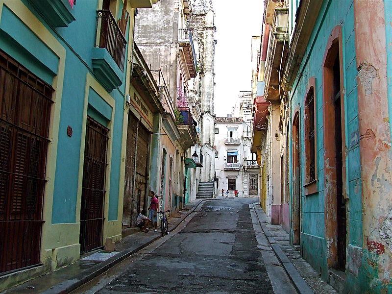 File:Old Havana back street.JPG