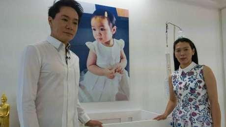 Pais da menina dizem que seu amor pela filha e fé na ciência os levaram a optar pela criogenia