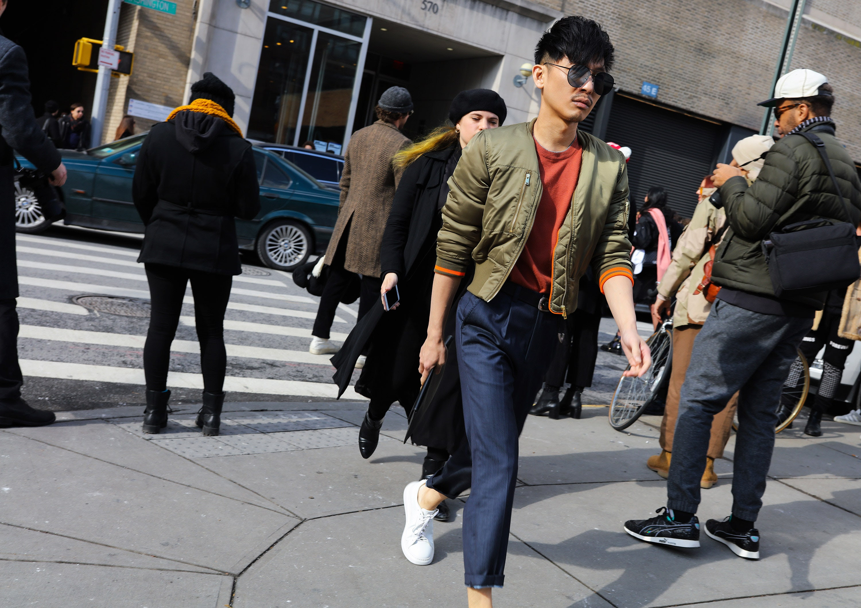 http://assets.vogue.com/photos/5893654adec09b18414565d6/master/pass/21-phil-oh-mens-nyfw-day-2-2017.jpg