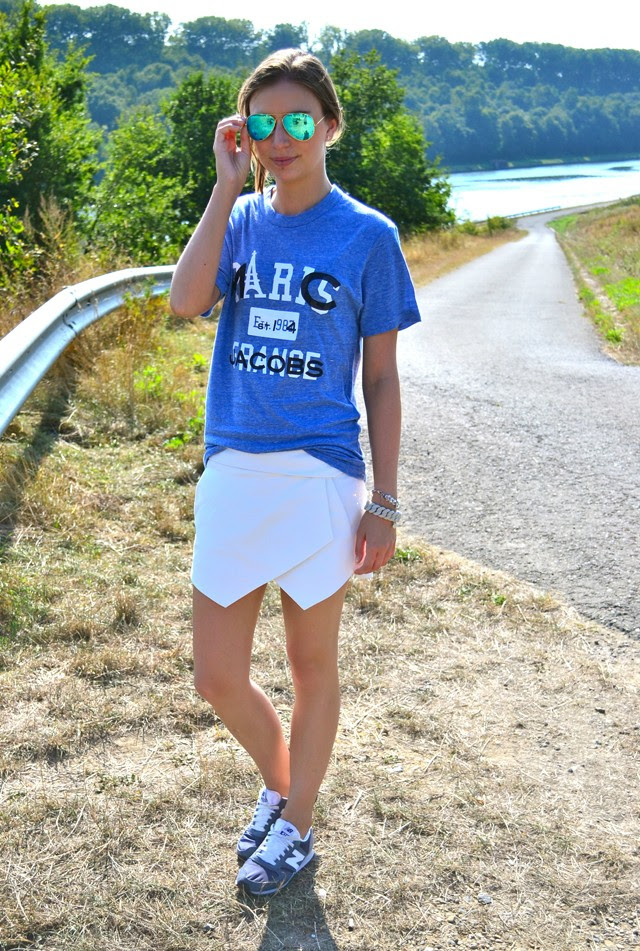 marc by marc jacobs city tee t shirt paris special edition collection zara asymmetric skort white new balance 420 vintage asos ray ban mirror sunglasses outfit outfitpost turn it inside out fashion blogger belgium inspiration
