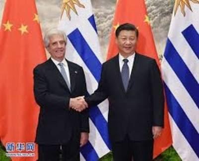 Tabaré Vázquez con el presidente chino Xi Xinping