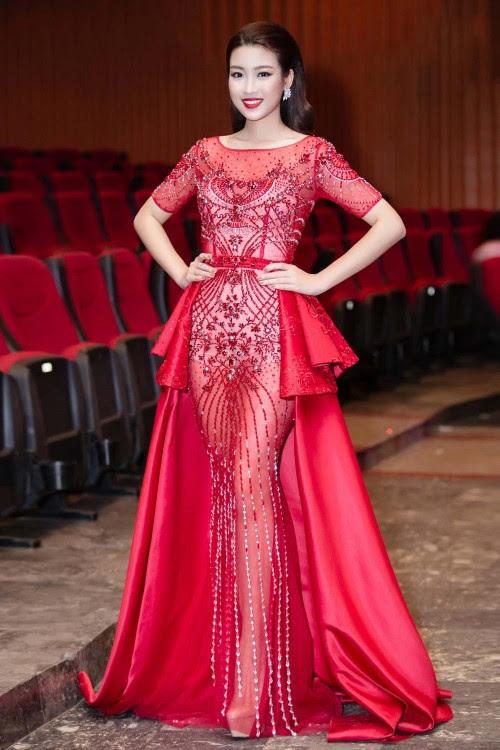 'Người đẹp vì lụa' quả không sai! Đỗ Mỹ Linh trở thành biểu tượng thời trang Việt nhờ loạt váy áo này - Ảnh 6.