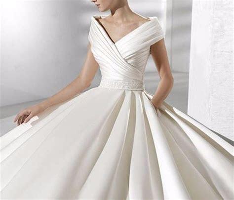Ivory/White Elegant V Neck Satin Wedding Dress Bridal Gown
