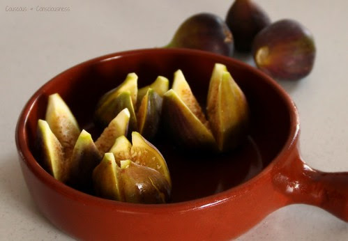 Baked Figs with Walnut Cream 1