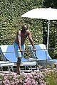 kobe bryant shirtless portofino 04