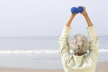 <p>El programa de entrenamiento incluyó ejercicios de fuerza en los grupos musculares de pecho, espalda, tríceps, bíceps, hombros y piernas. / URJC</p>