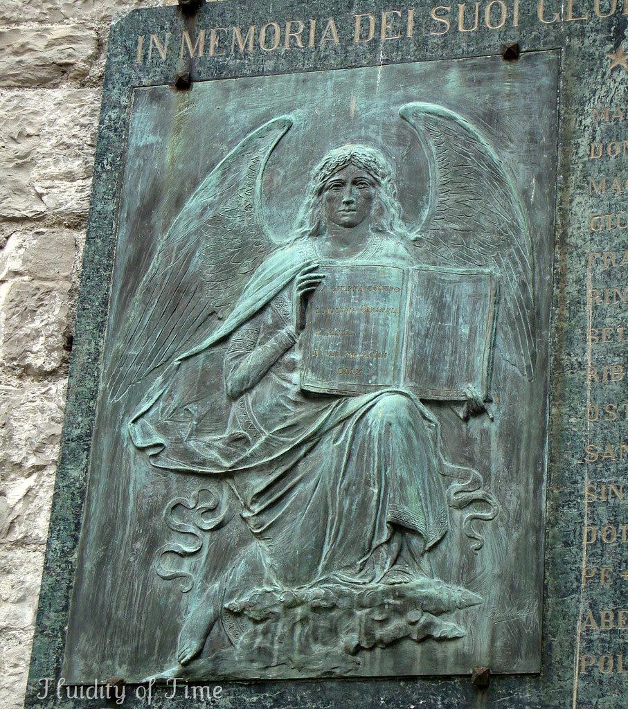 Bellagio chiesa ext plaque detail.jpg