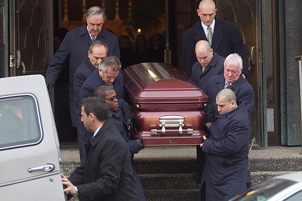 Few attend funeral for slain reputed Montreal mobster, Salvatore Montagna.
