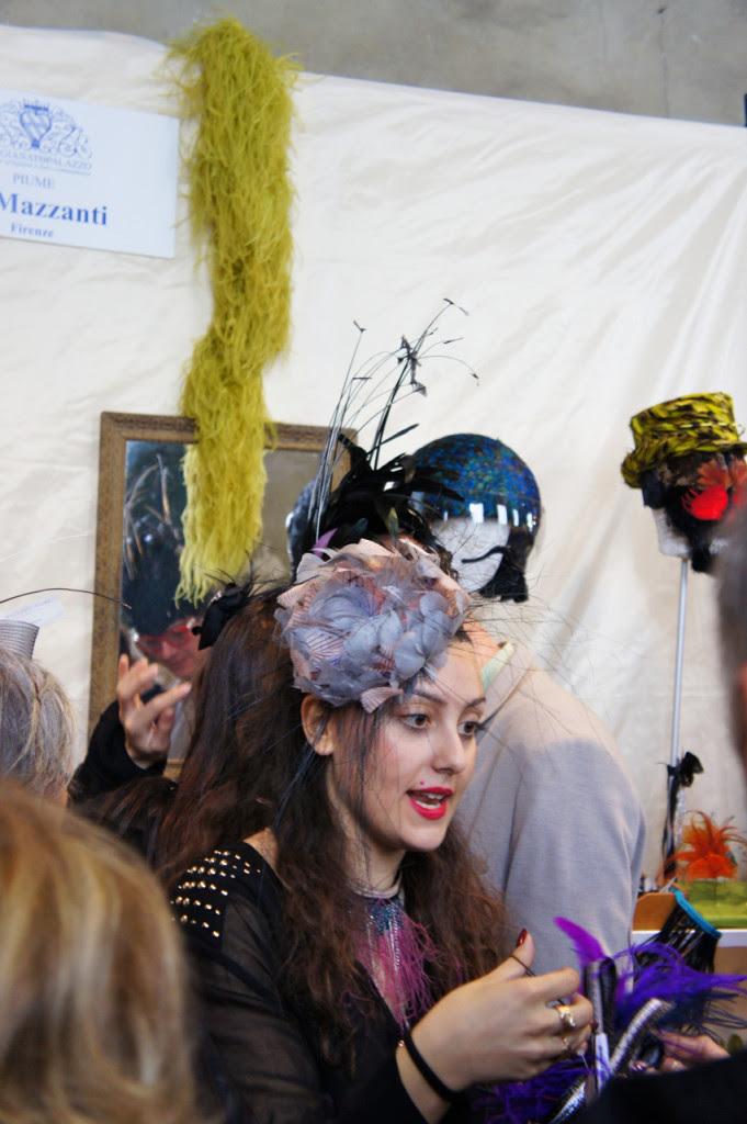 Chapéus com plumas
