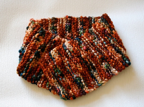 Knitted Wool Scarf in Wave Pattern