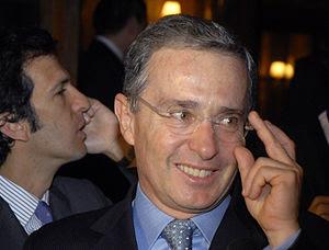 O presidente da Colômbia, Álvaro Uribe, deixa ...