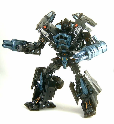 Transformer Ironhide - modo robot (Movie Voyager)