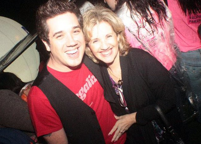 Rogério Flausino, do Jota Quest, e a mãe, Maria das Graças (Foto: Arquivo de Família)