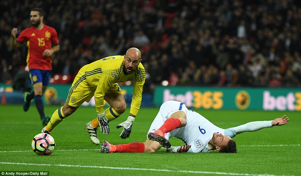 Napoli's former Liverpool stopper Reina looks on nervously with Leicester City hitman Vardy upended in the six-yard box