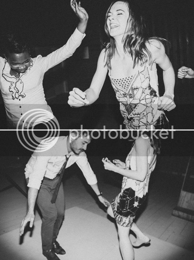 http://i892.photobucket.com/albums/ac125/lovemademedoit/welovepictures%20blog/CC_OldMacDaddy_Elgin_Wedding__112.jpg?t=1355209060