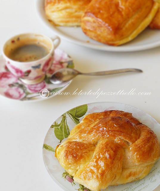 Saccottini con miele impasto croissants