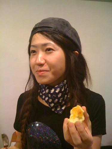 哈太太沾著是電影裡面出現的「鳳梨粉紅胡椒果醬」