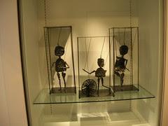 Les Marionettes
