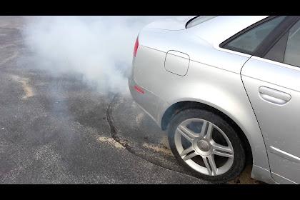 2009 Audi A4 Exhaust Smoke