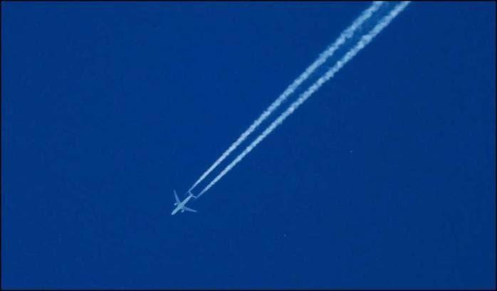 Самолет летит/3673959_2 (700x409, 10Kb)