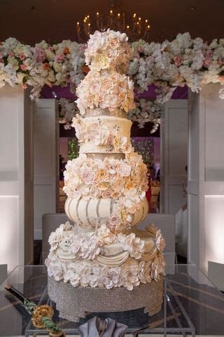 Who Made The Cake! Exquisite Cakes by Nadine Moon