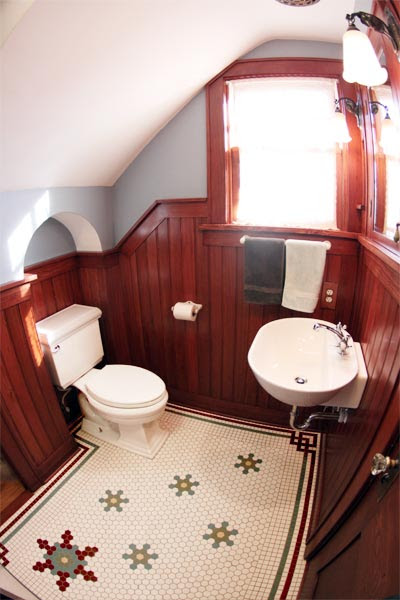 Toilet-Shaped Wall Niche | 23 Savvy and Inspiring Small ...