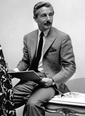 El diseñador Oleg Cassini.