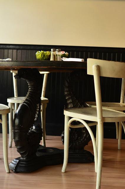 Seahorse table