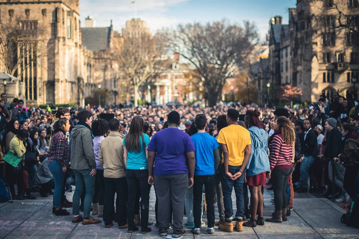 Students gathered together on Cross Campus in a showing of solidarity.