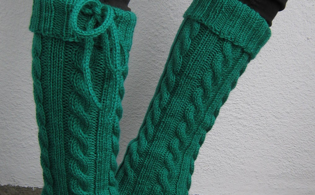 Craft Passions: Cabled leg warmers..# free #knitting pattern link here