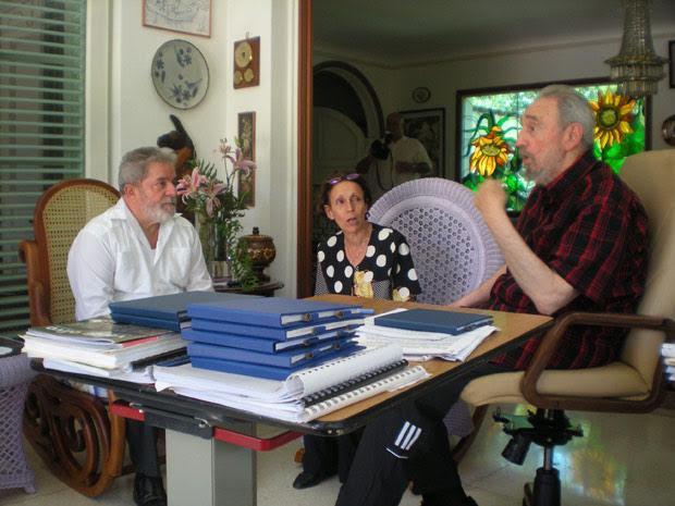 Lula encontra Fidel Castro em viagem a Cuba (Foto: Assessoria de Imprensa / Instituto Cidadania)