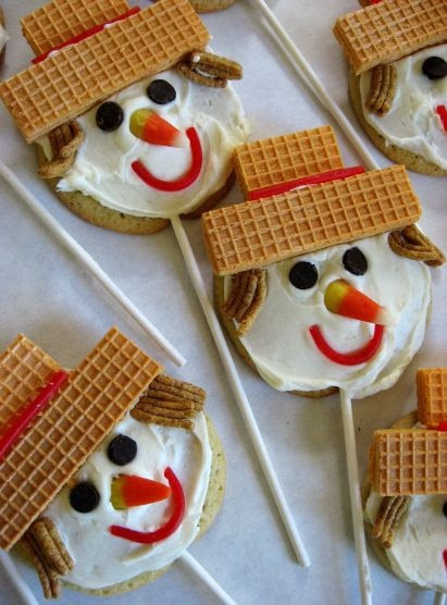 scarecrow cookies super cute, maybe send in for Halloween Party