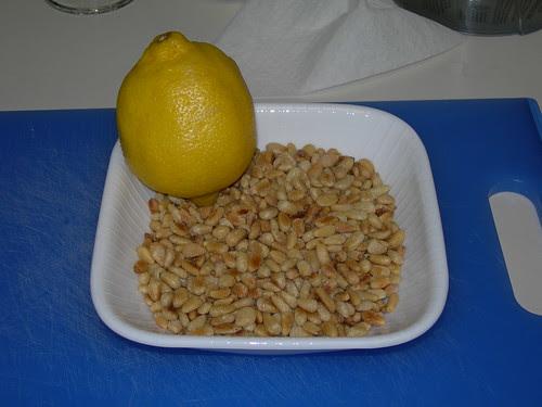 2009-09-12 Pesto Ingredients (5)