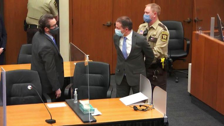 Ex-agent Derek Chauvin, schuldig bevonden aan de dood van George Floyd, wil een nieuw proces