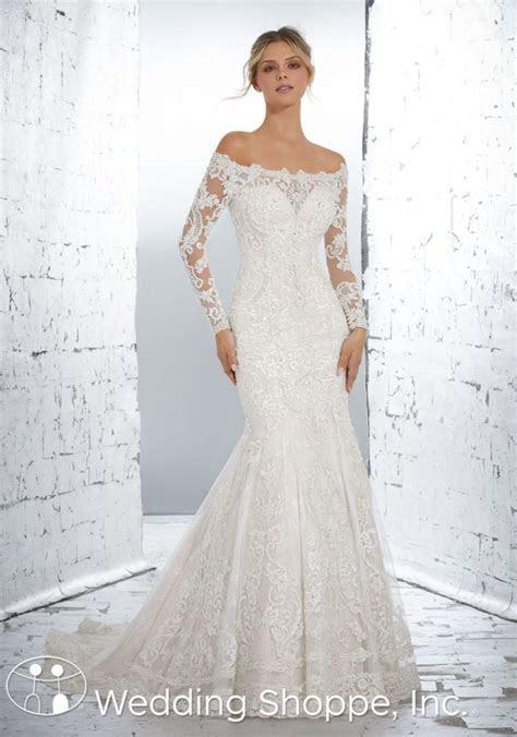 The 10 Best Off the Shoulder Wedding Dresses for 2018