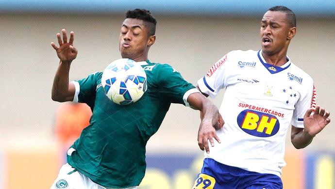 Bruno Henrique e Fabricio, Goiás X Cruzeiro (Foto: Adalberto Marques / Estadão Conteúdo)