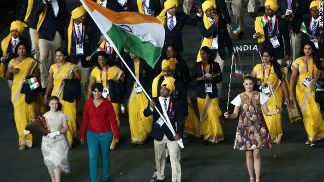 ¿Quién es ella? Una misteriosa mujer se coló en el desfile inaugural de los Olímpicos