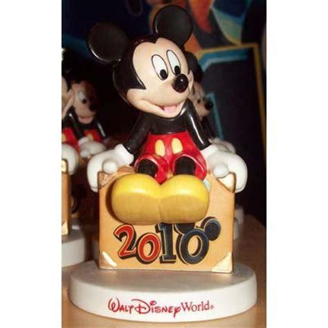 Disney Figure   2010 Dated Mickey Mouse figurine