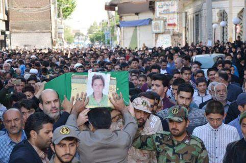 Un bambino soldato afgano di 17 anni, morto in Siria